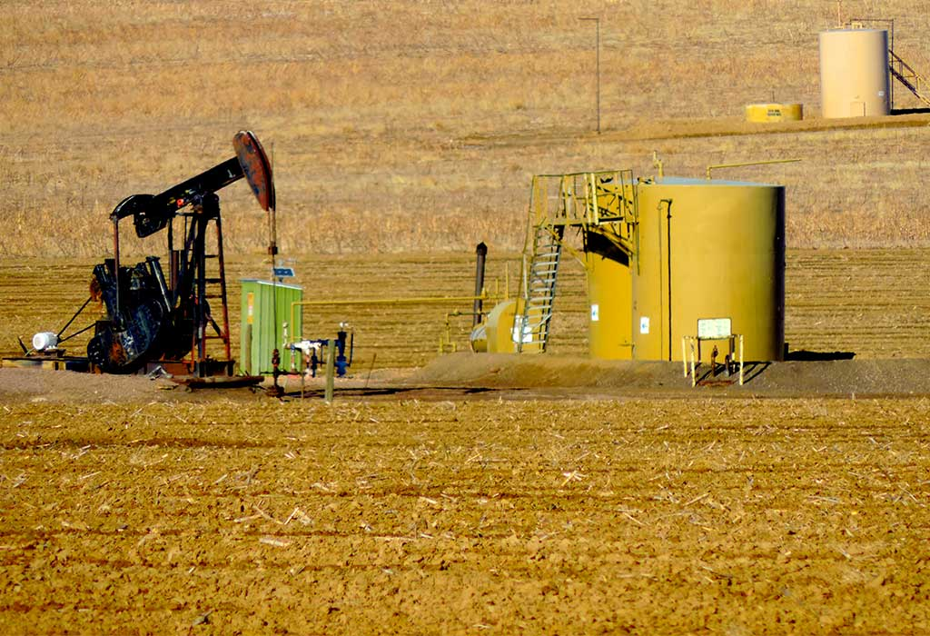 Guardians to File Suit Against Oil and Gas Industry's Clean