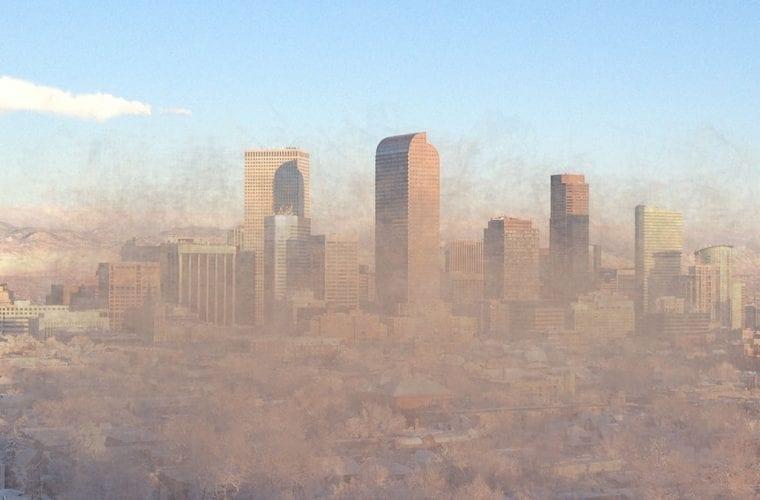 denver skyline smog r0uge wikimedia commons wildearth guardians