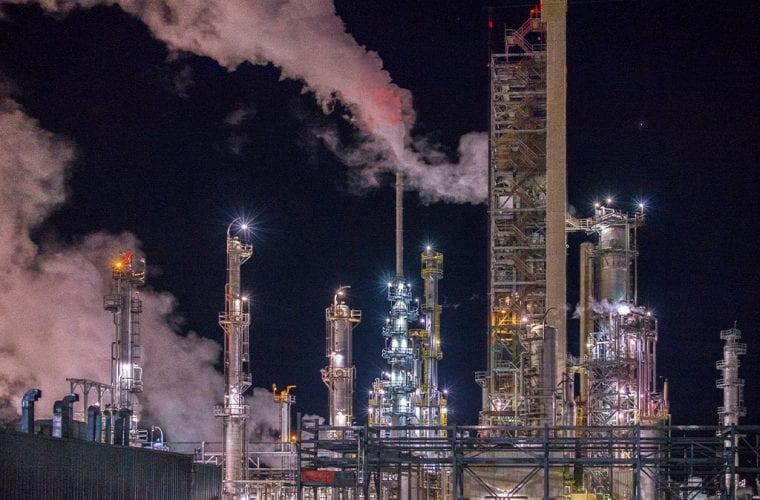 refinery-r-nial-bradshaw-flickr-wildearth-guardians